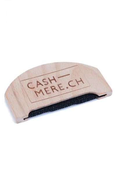 kaschmir kamm gerundet aus holz von cash-mere.ch mit schrift